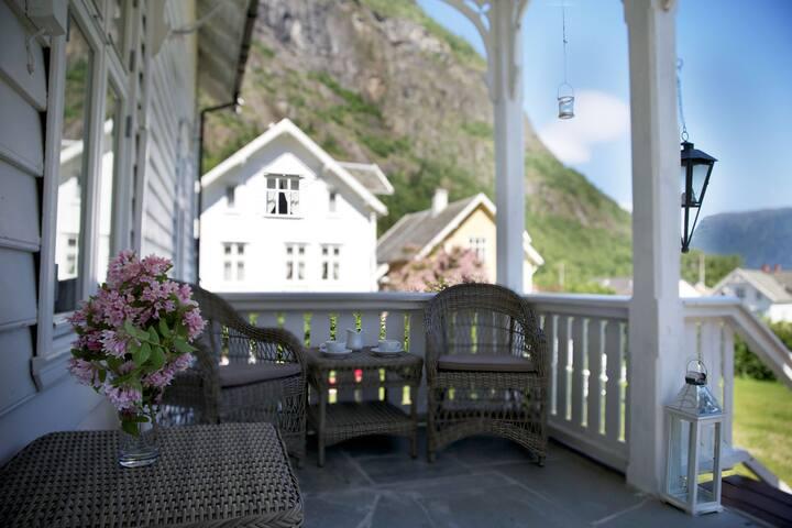 Solvorn Gjestehus, Master Suite