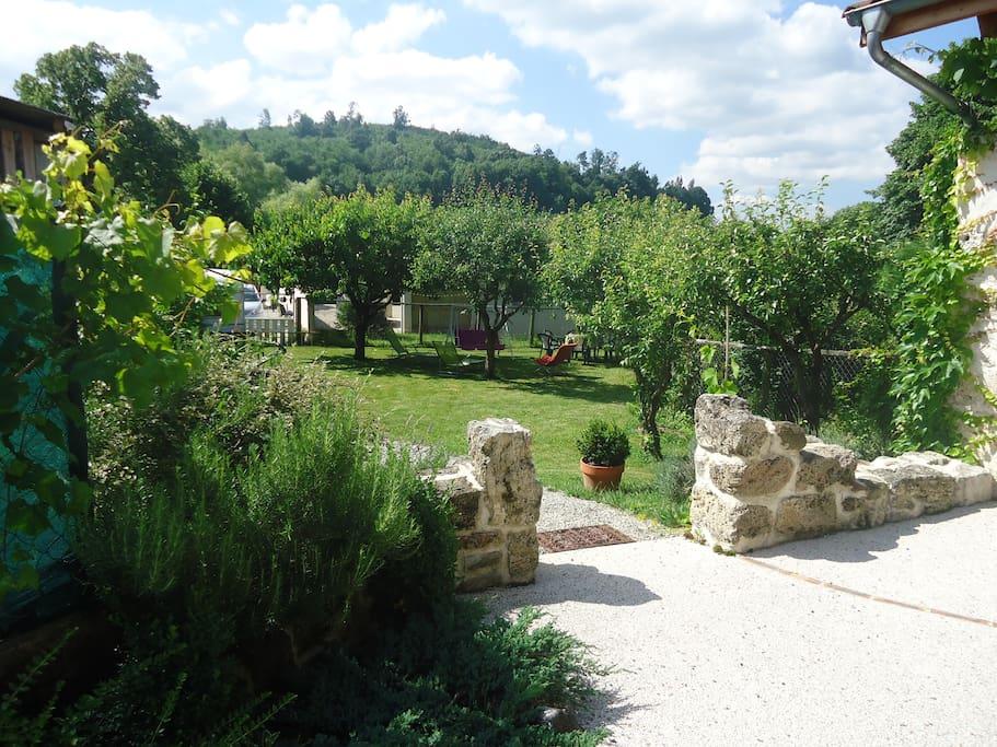 vu sur le jardin depuis la terrasse