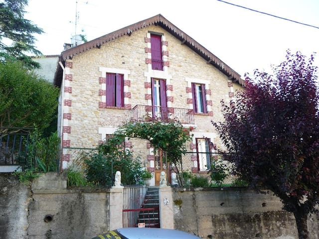 GITE EL SOL - Fumel - Bed & Breakfast