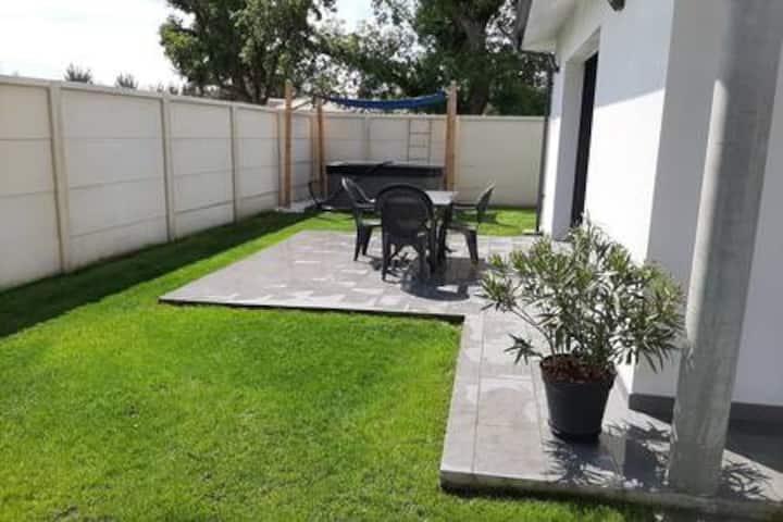 Maison avec jardin privé et jacuzzi indépendant