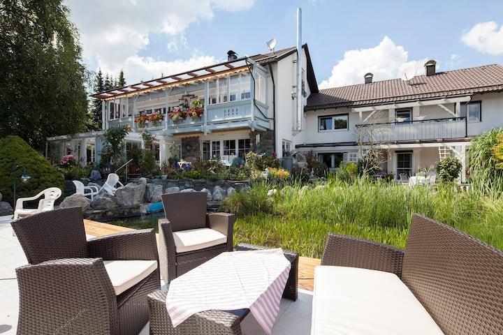 Exklusives Haus mit Garten Nähe Starnberger See