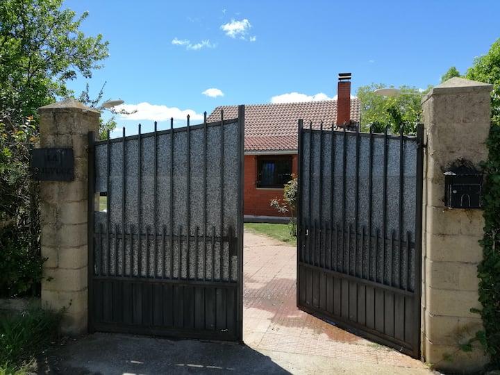 Casa con encanto a 6km de Leon Villasinta de Torio