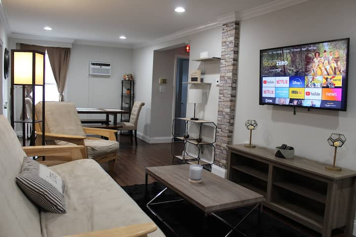 Minutes from D.C (a)+ free parking