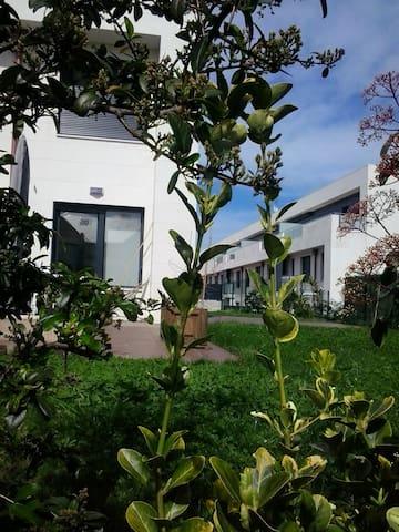 Apartamento con huerta y jardín - Santander - Appartement