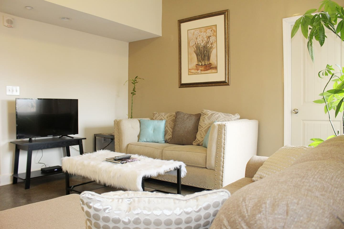 the top 20 louisville apartment rentals - airbnb, kentucky, united