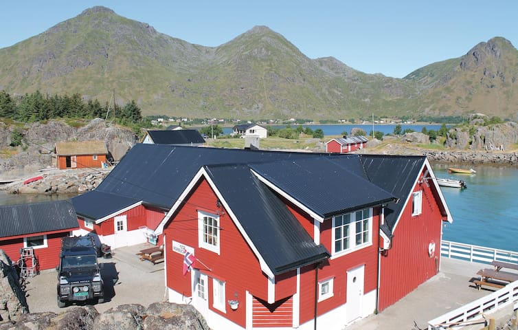 Semi-Detached with 2 bedrooms on 100m² in Sennesvik