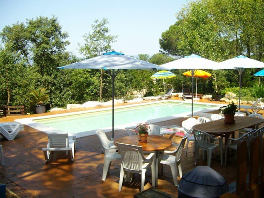 Belle villa avec piscine saline pour 15 personnes villas for Location villa espagne avec piscine privee pas cher
