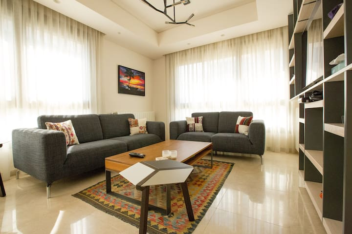 Stylish & Comfortable One Bedroom Apartment