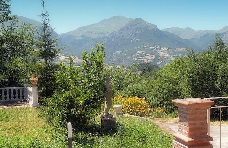 TENUTA CERRETINO LUXURY VILLA - Montefortino - Villa
