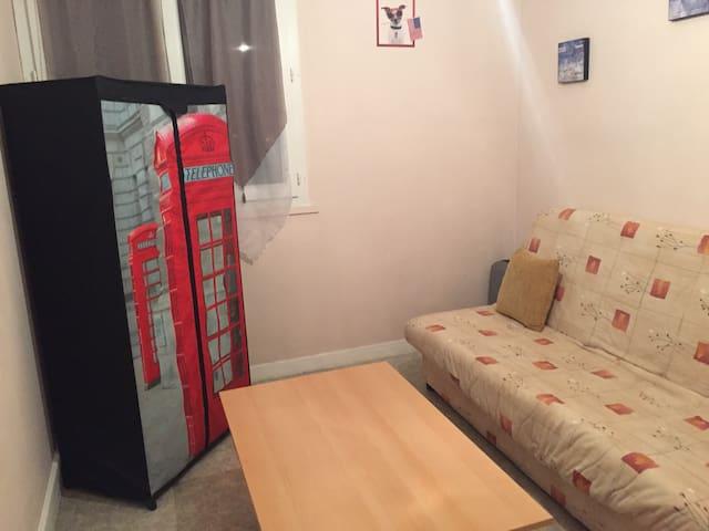Belle chambre pour femme - Courrières - Apartment