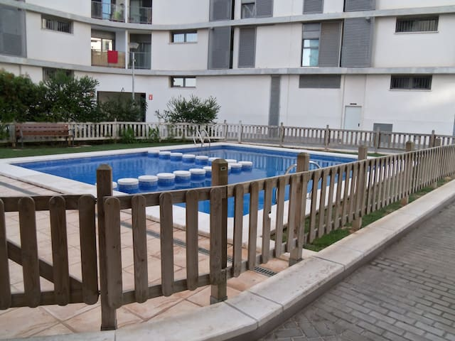 Apartment with pool and parking. - Quart de Poblet - Huoneisto