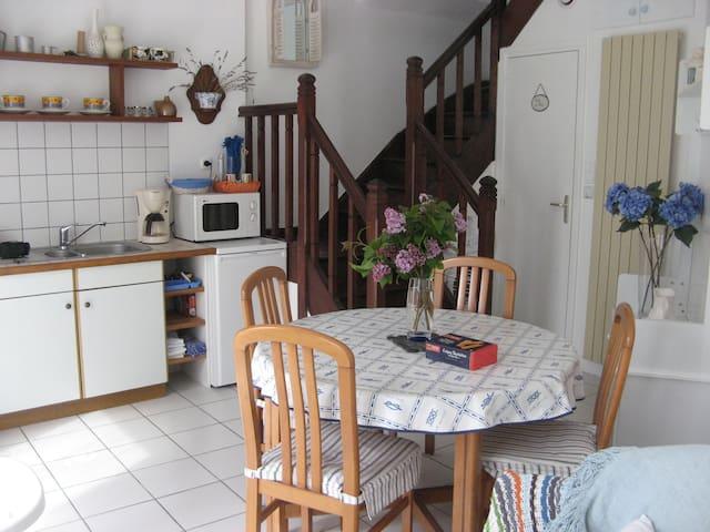 Petite maison de vacances à Ste Marine - Combrit - Hus