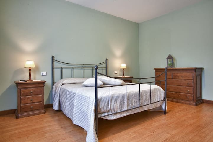"B&B ""Al Colle"" - Suite ""Ulivo""  - Pescosolido - Bed & Breakfast"