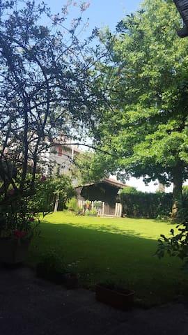 Camera con giardino molto tranquilla - Sesto - Rumah