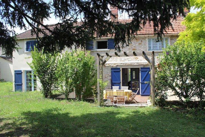 Chambre privée dans cadre champêtre - Janville-sur-Juine - House