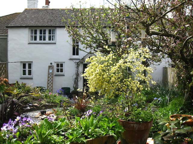 Room in Delightful Cornish Cottage - Probus