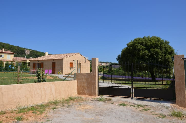 Villa (maison) avec jardin