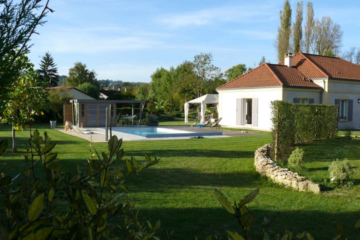 Character property with swimming pool near Lascaux - Montignac - Hus