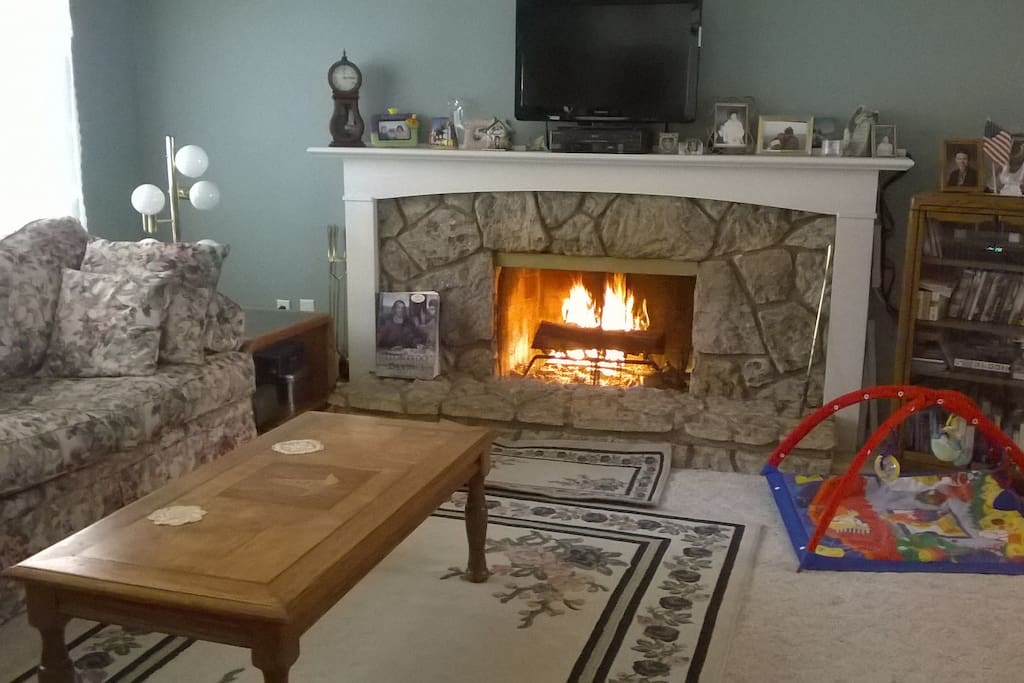 Gas fireplace, firewood available