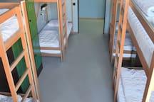 8-Bett Dorm/8 bed dorm