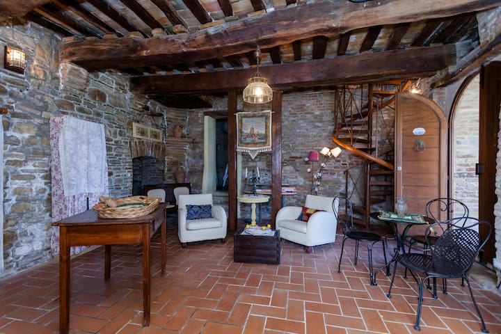 Holiday relax in the Castle - Loretello - House