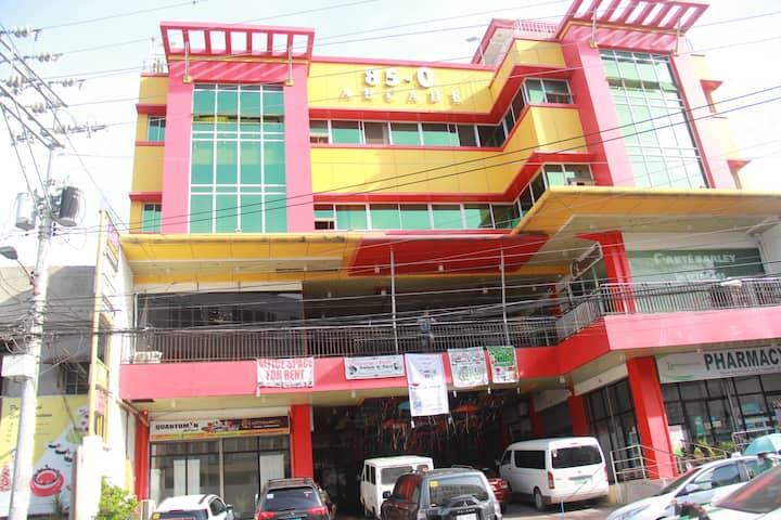 304 - 85-O Tourist Inn (3 pax)