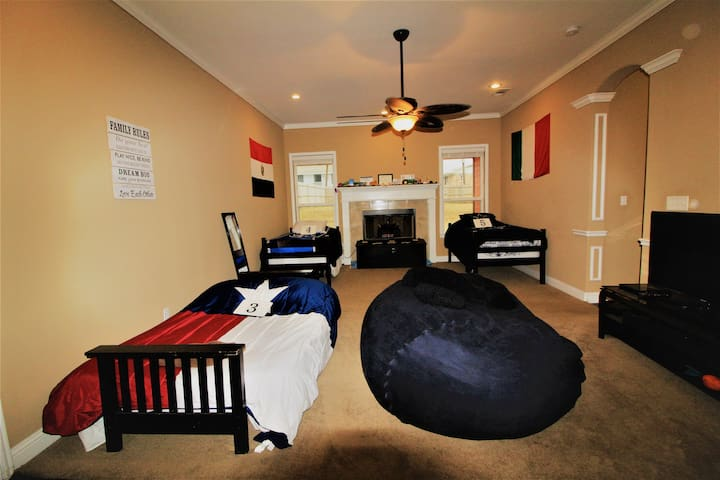 Texas Futon Living Space in Dallas! Bed 3