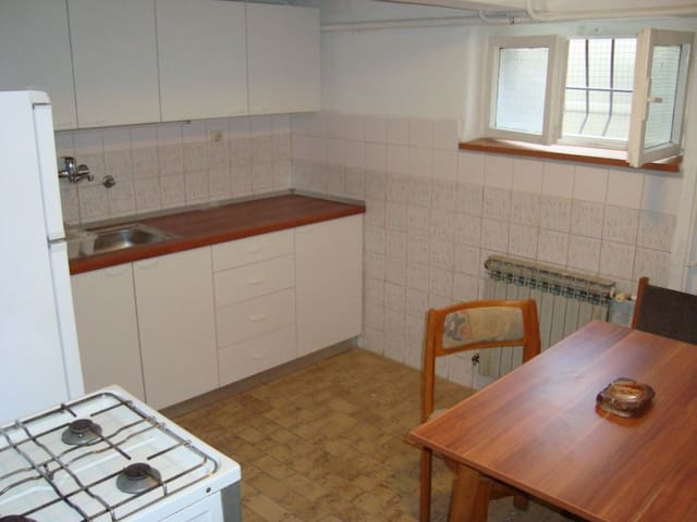 Great location near the Center - Zagreb - Hus