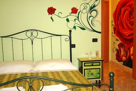 Sentirsi come a casa propria Camera tripla Rose. - Villamagna - Bed & Breakfast