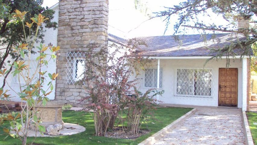 Wonderful house with garden - pool - Colmenar Viejo