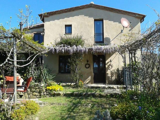 Ferienhaus Toskana mit Garten und Blick, Ortsrand - Vallerona - Dom