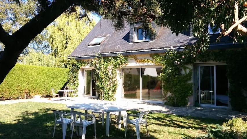 villa familiale 8/10 pers juil-aout - Carnac - Casa