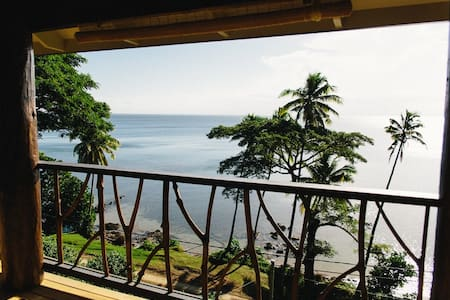 Pod house, romantic, private couples getaway - Savusavu - House