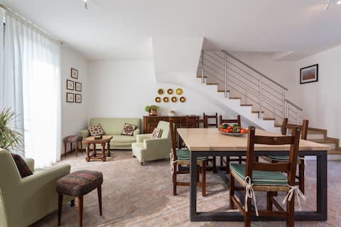 """""""Nocciolo"""" Lovely Apartment with garden"""
