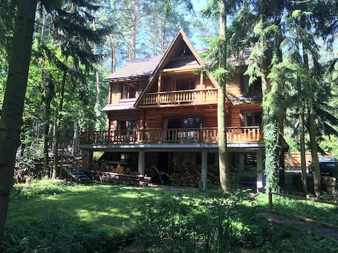 Dom nad wodą/House by the lake