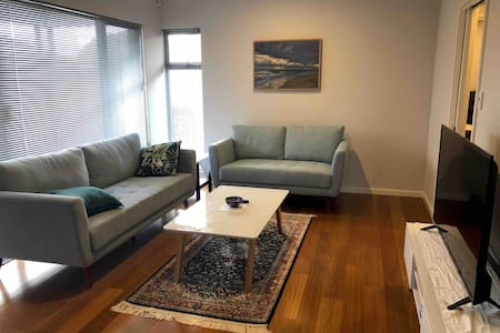 Mount Hawthorn (Perth) apartment - new and stylish