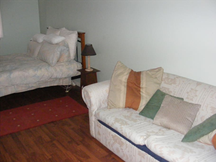 Fold out settee