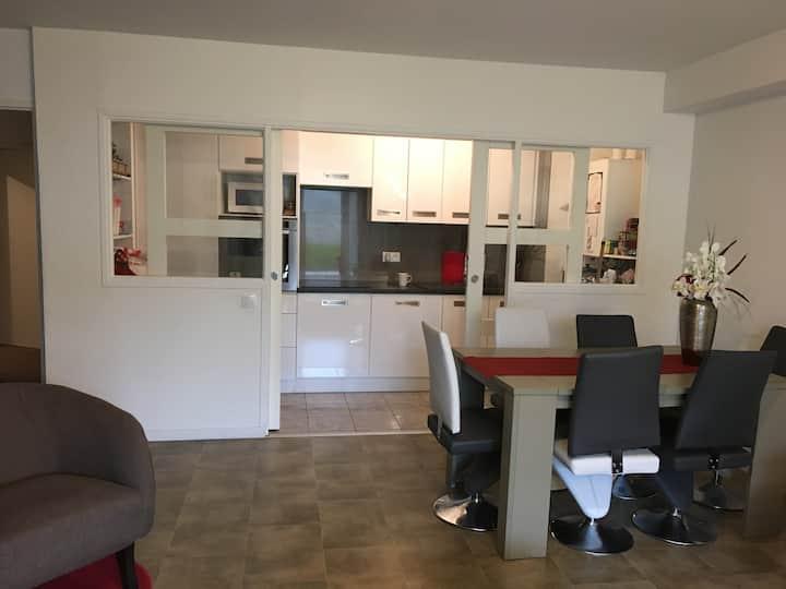 Chambre privée dans appartement neuf