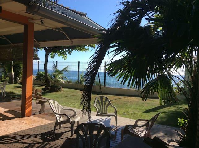Chez MAGNOLIA:  Bord d'océan, baie de Punaauia