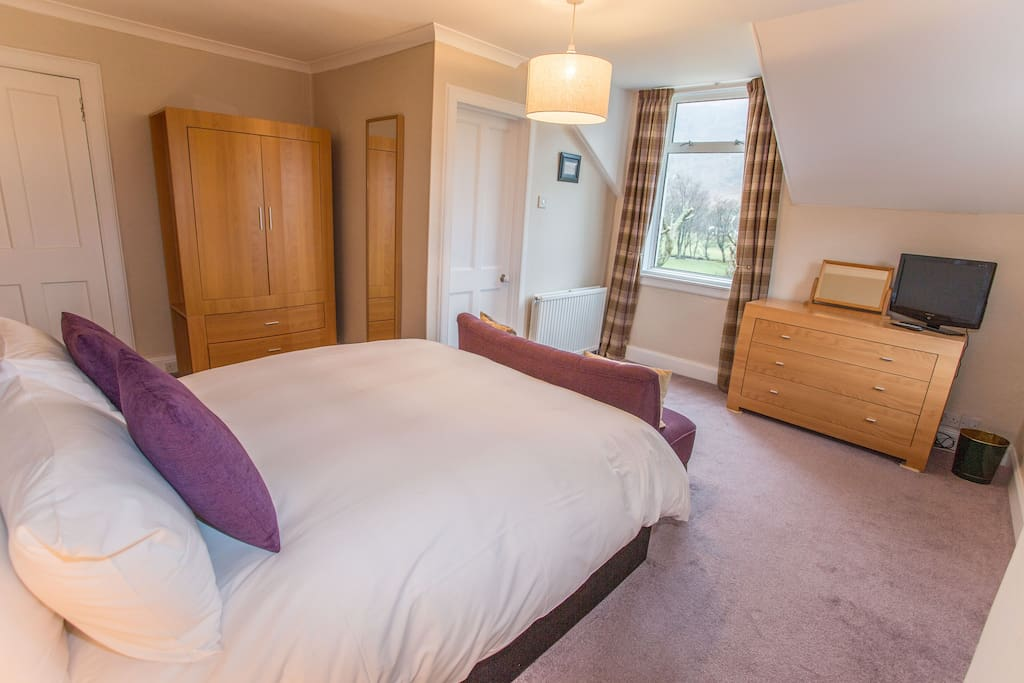 Room 3 has everything you need for a relaxing stay in Lochranza