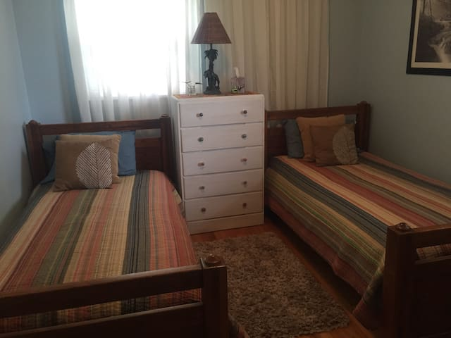 Room w/ two beds in Rock Hill Ranch - Rock Hill - House