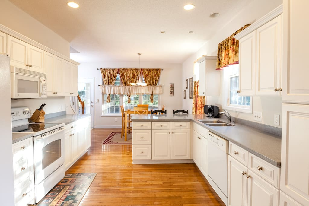 Full kitchen with all the modern amenities.