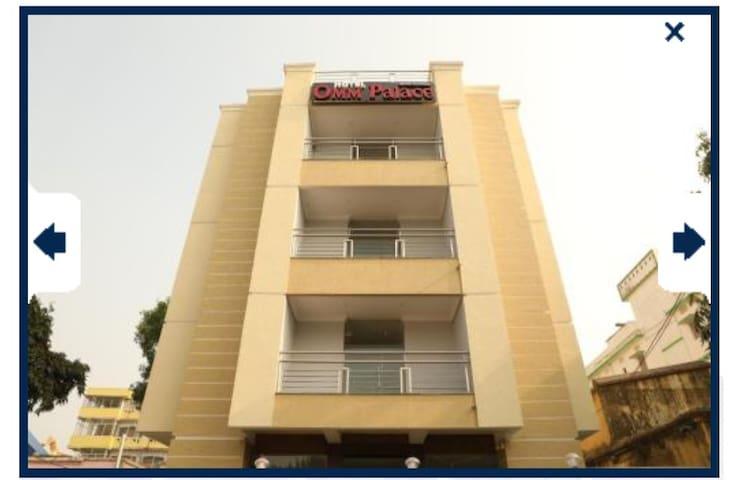 Hotel Omm Palace.