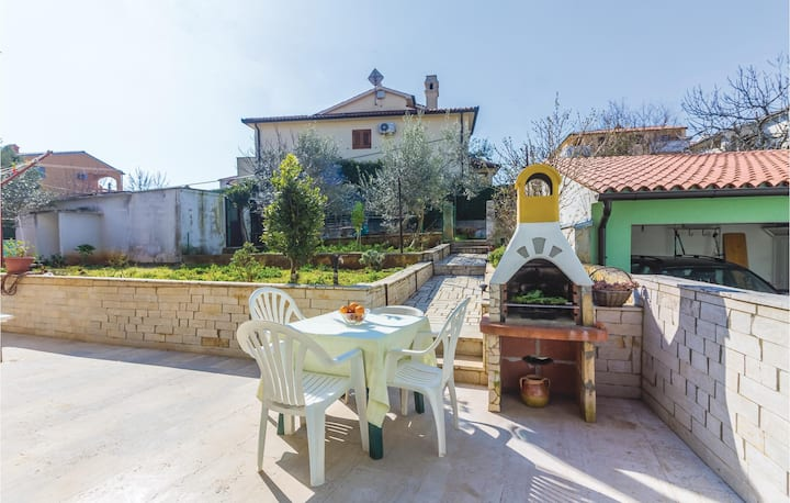 Nice home in Pula with WiFi and 1 Bedrooms