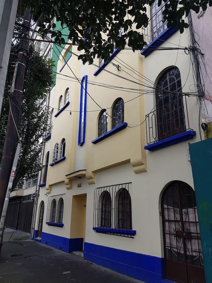 Edificio colonial arquitectura Art- deco