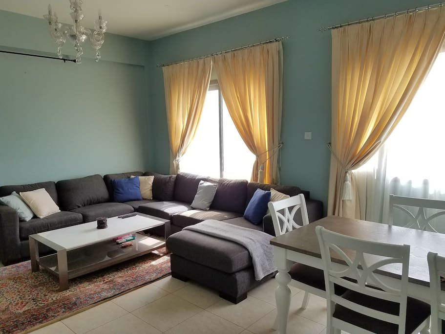 Private room with panoramic view in Qurum
