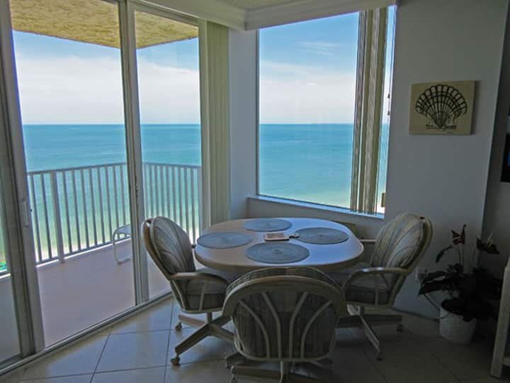 AMAZING GULF VIEWS! ESTERO BEACH & TENNIS CLUB CHARMING BEACHFRONT CONDO 1103B