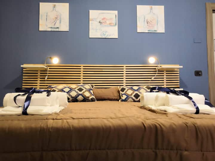 Camera Blue Centro Cittá- B&B HomeVisit