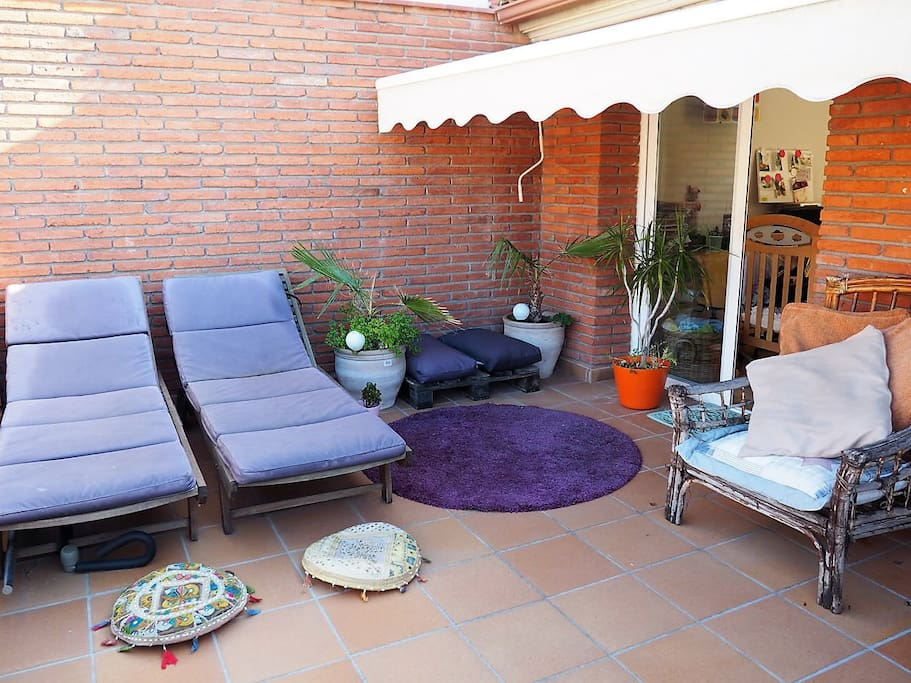 TERRAZA DONDE RELAJARSE Y TOMAR EL SOL TERRACE WHERE TO RELAX AND ENJOY THE SUN