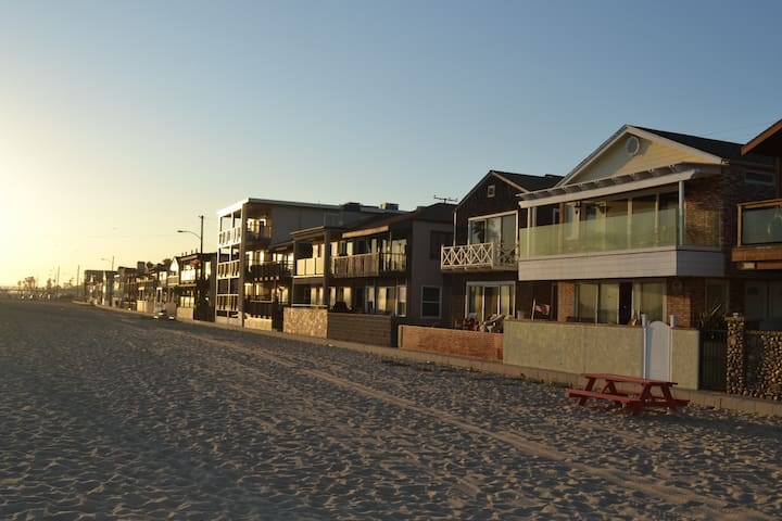 Ocean Front Living in Old Town Seal Beach - Seal Beach - Rumah liburan